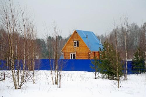 деревня, дом, синяя крыша, синий забор, снег, деревенский дом, дом зимой