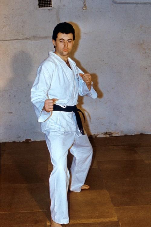 карате, каратэ, сэнъэ, дан, чёрный пояс, 9-й дан. Фото хорошего качества. Фото из личного архива семьи Тихомировых.