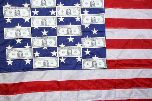 amerikansky-flag-dollar-photo.jpg