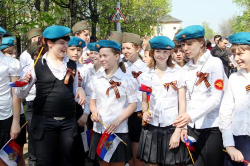 shkolniki-ramenskoe-berety-desantnikov.jpg