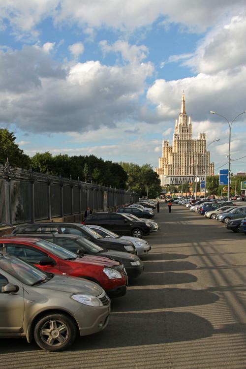 moskva-stalinskaya-visotka-na-barrikadnoy3.jpg