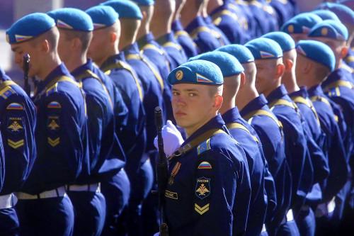 rossiya-kursanty-voenno-vozdushnikh-sil.jpg